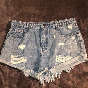 Cropped High Waisted acid washed jean shorts